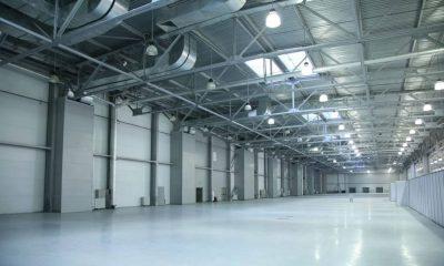 Wnętrze nowej hali stalowej